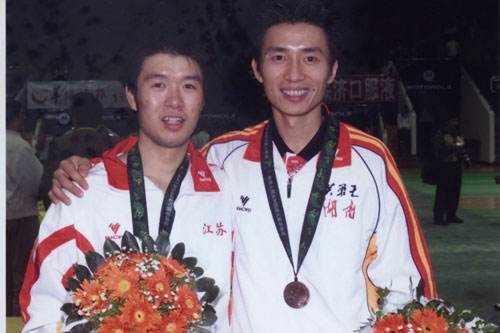 羅毅剛(右)