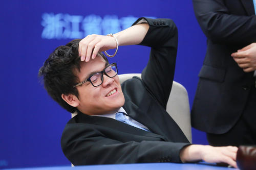 """如果当年在乌镇与AlphaGo的第二局,柯洁也能遇到这样一步""""自杀""""妙手的话,或许……"""