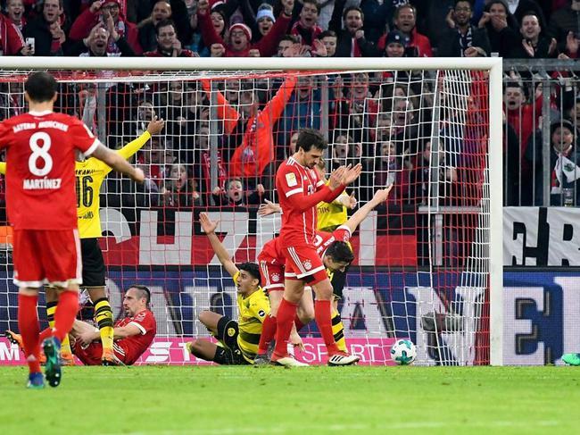 莱万打进拜仁第4球瞬间