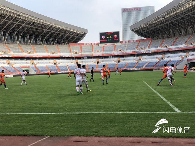 预备队-刘洋帽子戏法 鲁能10分钟丢4球4-5负上港