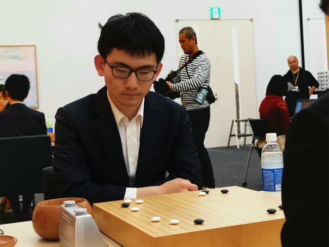 丁浩在比赛中。(图片来源:中国国家围棋队竞赛主管 马林)
