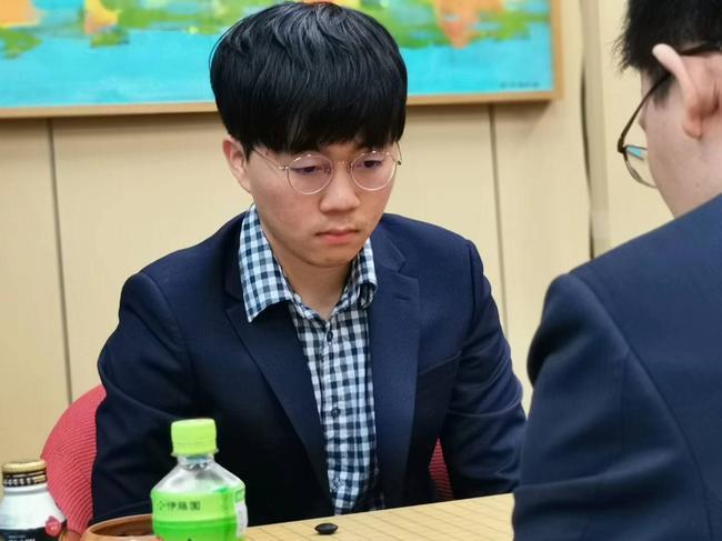 世界U20新锐赛中国三少年折戟 韩国申旻埈夺冠