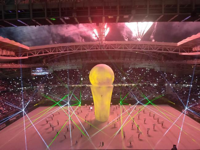 现场-哈维的最后一脚直塞 吹空调看世界杯这感觉