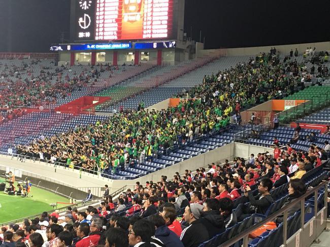 国安球迷获得日本球迷点赞:真正的朋友 歌声动容