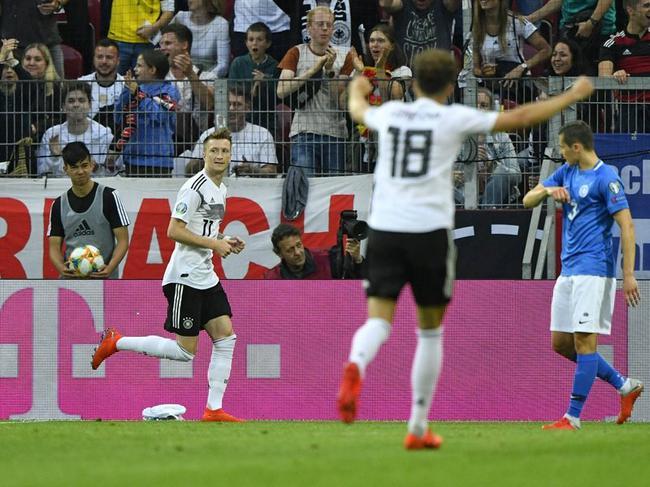 欧预-罗伊斯+拜仁飞翼各2球 萨内传射 德国8-0胜