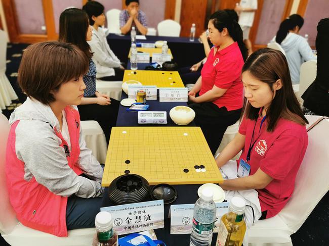 女团赛韩国表援德比战