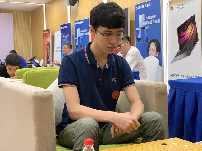 围甲联赛第14轮对阵:连笑VS朴廷桓 柯洁VS丁浩