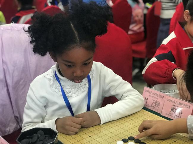 参加女子C组比赛的小棋手