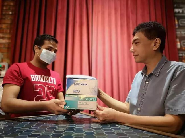 乔氏马来西亚代理商东姑赫曼在当地采购口罩
