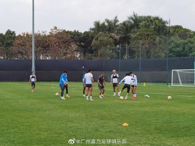 """广州城裁掉多名""""超龄""""球员 新帅到位后继续精简"""
