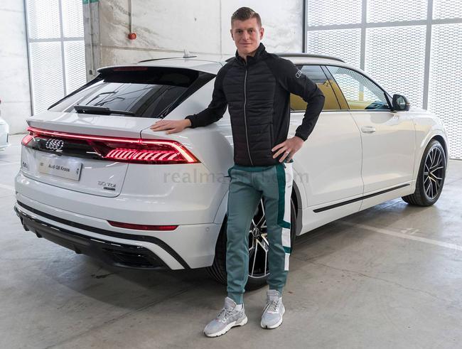 皇马球员又白得一辆车 本泽马选择了最便宜的