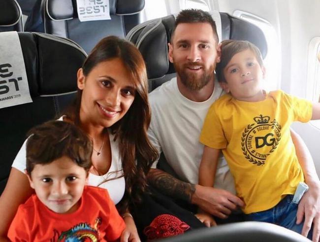 安托内拉与家人
