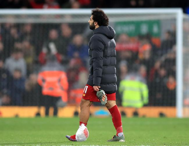 萨拉赫脚踝缠上冰袋