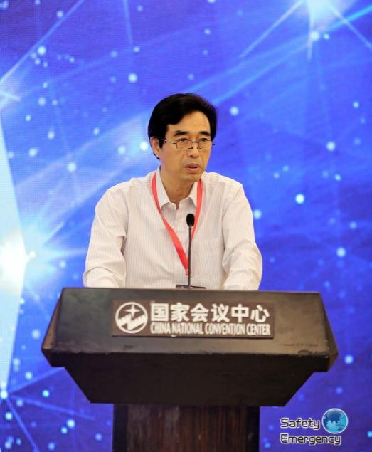 徐工集團黨委副書記、副總裁李鎖雲