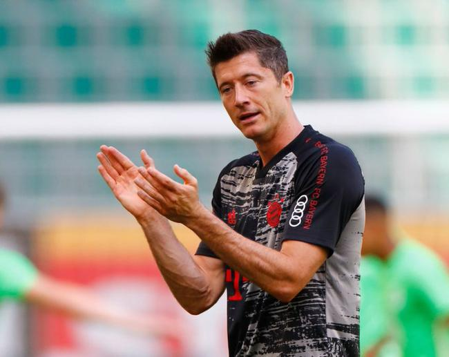 德甲-穆勒传射拜仁4-0 多特0-4 莱比锡门兴进欧冠