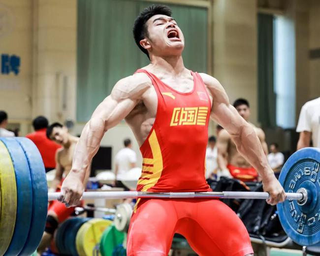 中国男举全面演练稳中求胜