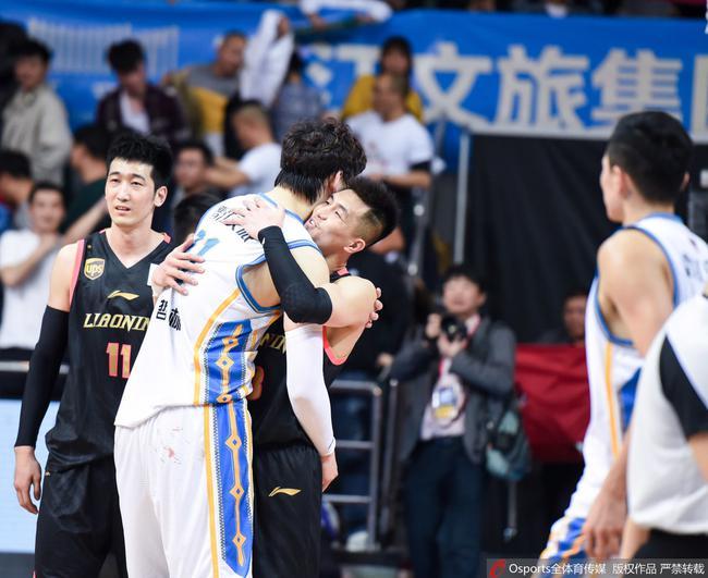 王哲林和郭艾伦
