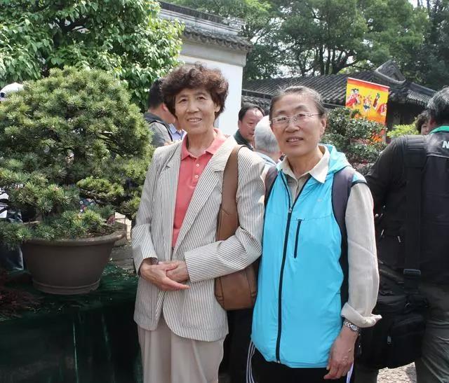张立(左)与朱香云
