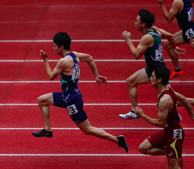 日本全锦赛桐生祥秀弃赛 60米冠军成绩被苏炳添秒杀