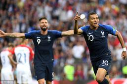 姆巴佩远射世界波法国4-1领先