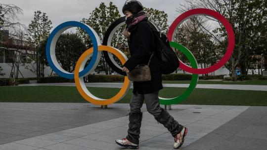 日本民众举办奥运的心气与内阁支持率一起走低