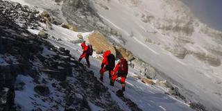2020珠峰高程登顶测量