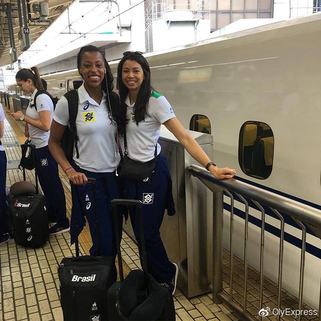 巴西女排搭乘新干线抵达世界杯始个比赛地滨松