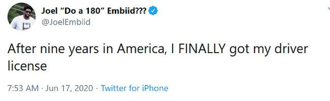 科目2跪了9年?恩比德:来美国9年终于拿到驾照!
