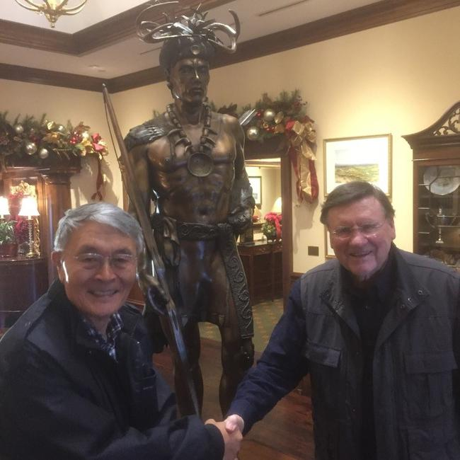 笔者和艾伦2018年12月4日在切诺基城乡高尔夫俱乐部