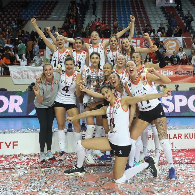 土耳其女排超级杯瓦基弗2-3伊萨 博斯科维奇获MVP