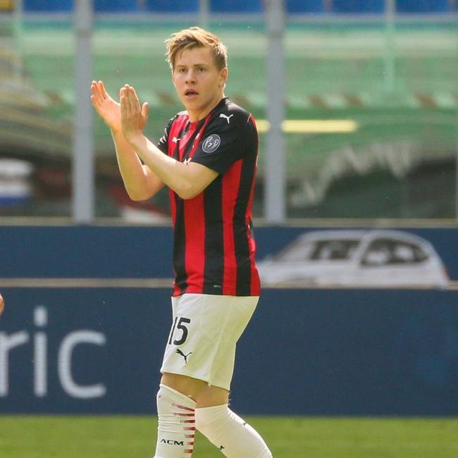 意甲-海于格替补救主凯西补时中柱 AC米兰主场1-1