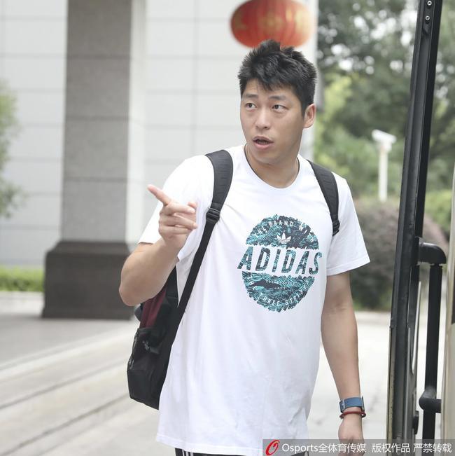 中国男排B队结束集训返京 沈琼率队17日出征亚运