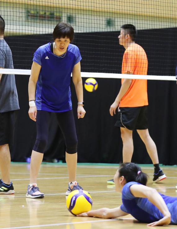 郎平:春节后自己也要加紧训练 保证有足够的体能