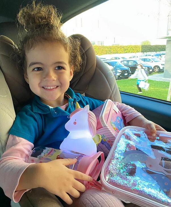 女友发C罗为婴儿喂奶照 一转眼女儿长成了小公主