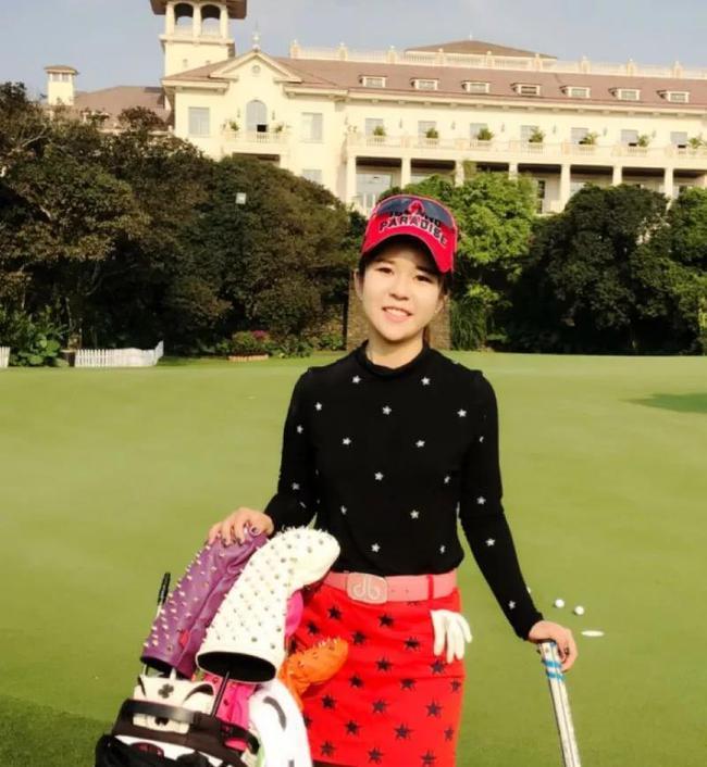中国女子高尔夫职业选手,前国家队队员。