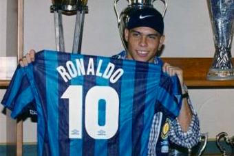 1997年夏天,外星人羅納爾多以破世界紀錄的3200萬美元從巴薩轉會國米
