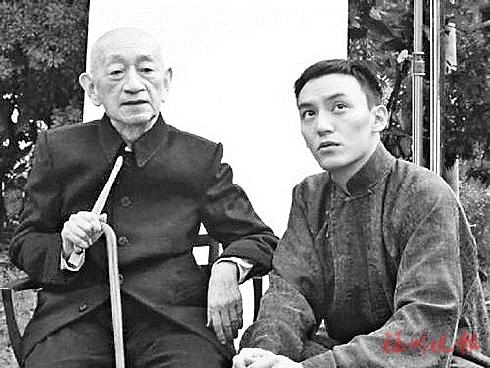 张震和吴清源(资料图)