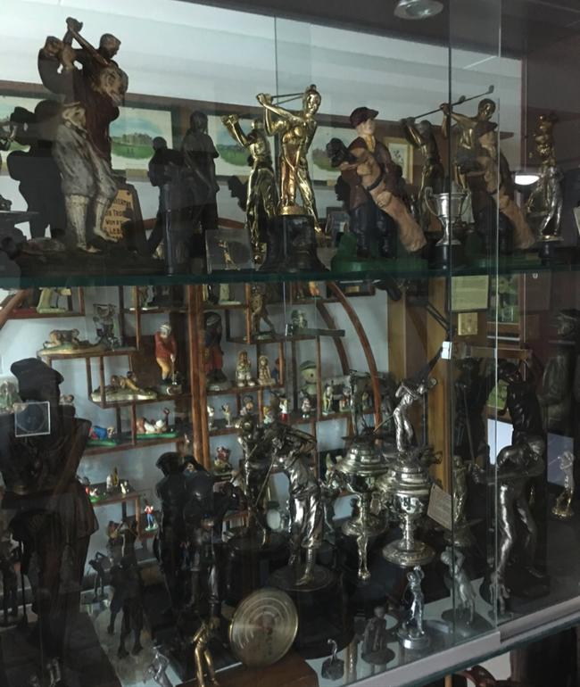 馆藏银器和金属雕塑制品
