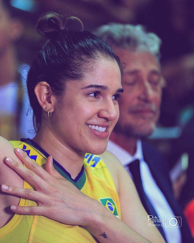 巴西女排队长确认缺席世界杯争卫冕中国迎喜讯