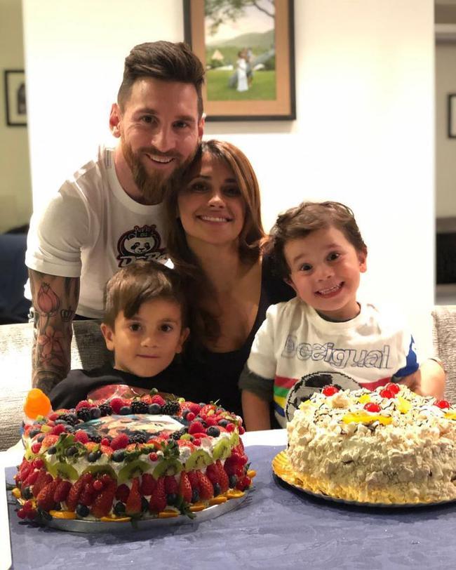 梅西跟他的家人