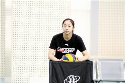 图为王茜成功转型成为教练员