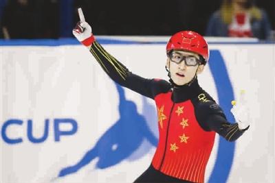 武大靖去年三破世界纪录