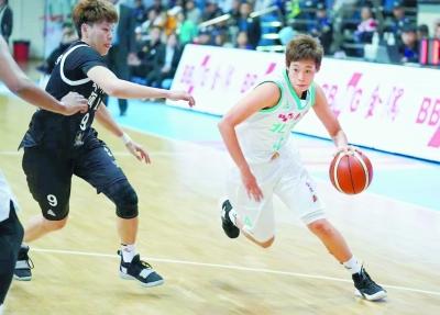 北京女篮本赛季战术风格发生了变化