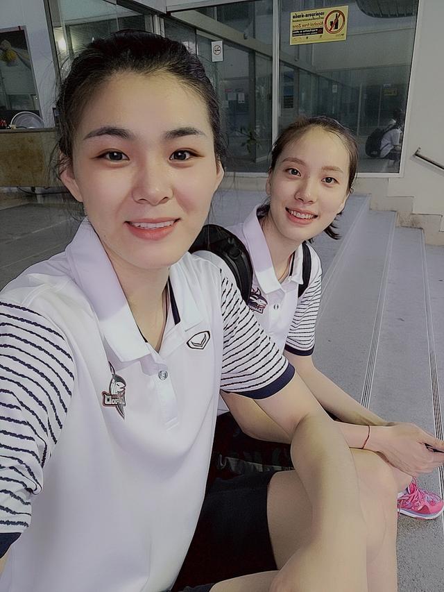 杜清清与郑益昕成为队友