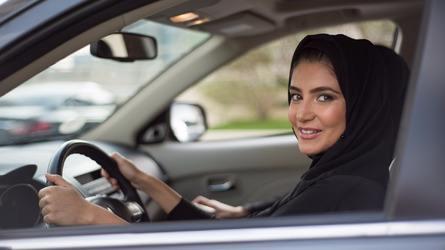 沙特女性可以开车了