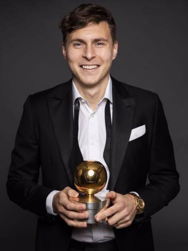 林德洛夫当选瑞典足球师长