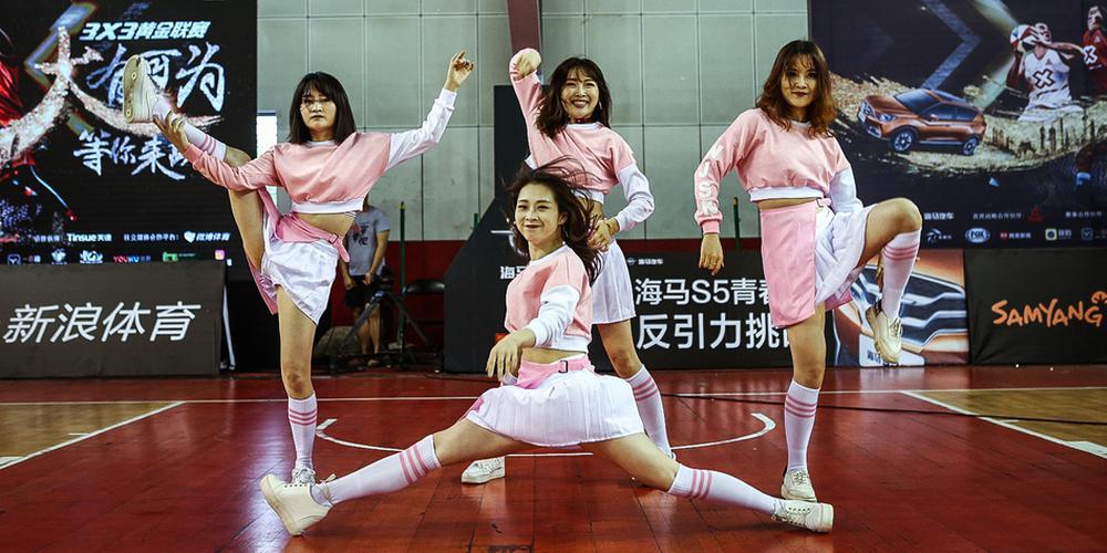 黄金联赛长沙站啦啦队激情热舞