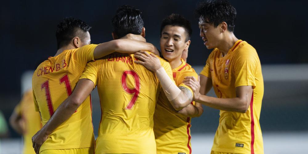 亚运-韦世豪传射张玉宁破门 U23男足3-0提前出线