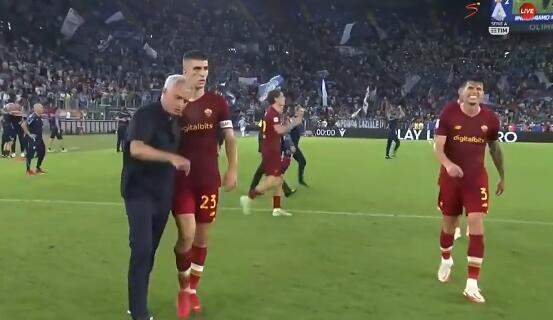 穆里尼奥急了!输球后当场开会 球员一个都不许走