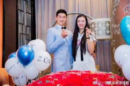 男篮球员吴冠希向中国女排球员张常宁求婚成功